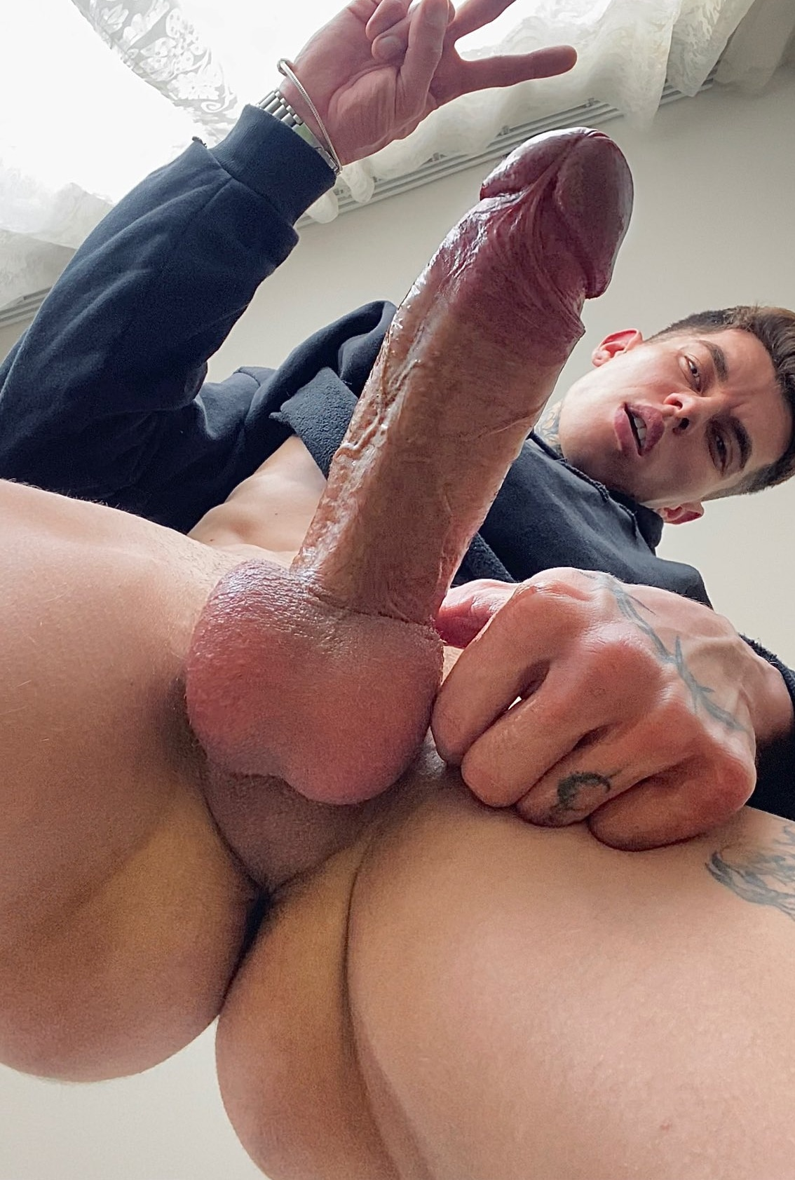 Hottie with a fat cock