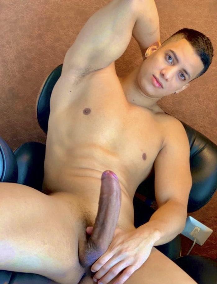 Sexy nude Latino stud